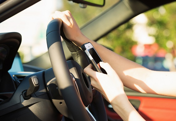 New Massachusetts hands-free driving law to go into effect in February 2020